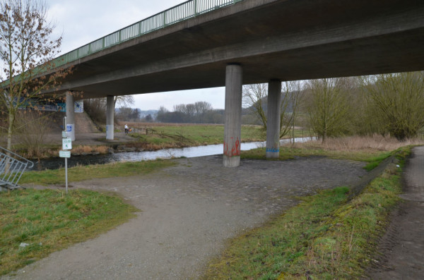 Bild: Diemel Radweg Fahrrad Amelix