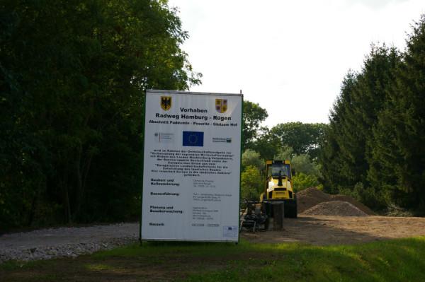 Radweg HH-RÜG Schild