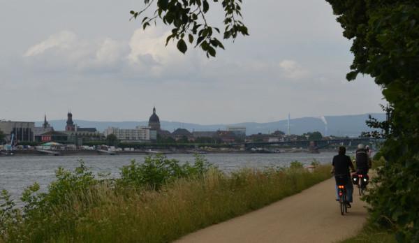 Bild: Blick auf Mainz Fahrrad Amelix