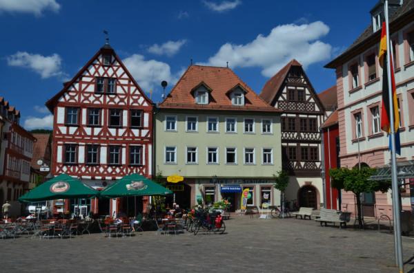 Bild: Marktplatz von Karlstad am Main Fahrrad Amelix
