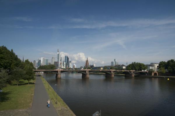 Bild: Skyline von Frankfurt am Main Fahrrad Amelix